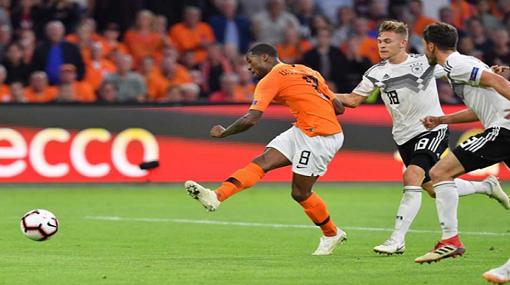 دوري الأمم الأوروبية: امرأة مجهولة سبب هزيمة ألمانيا بثلاثية أمام هولندا