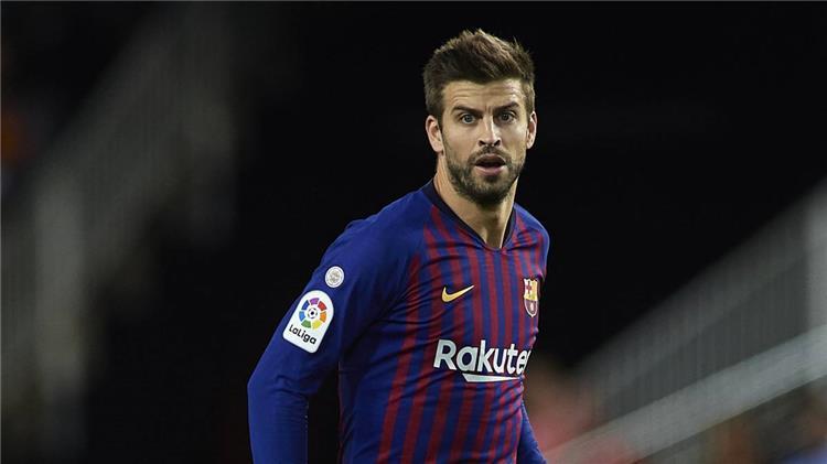 بيكيه يثير غضب برشلونة