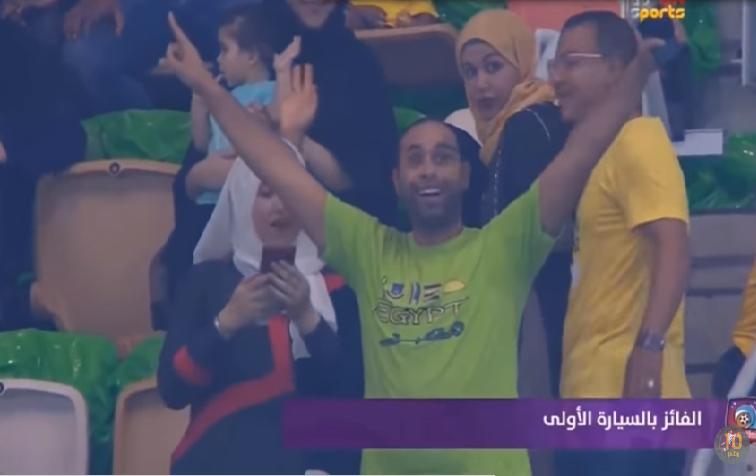 شاهد.. فرحة هستيرية من مصري يفوز بسيارة فى مباراة البرازيل والأرجنتين!
