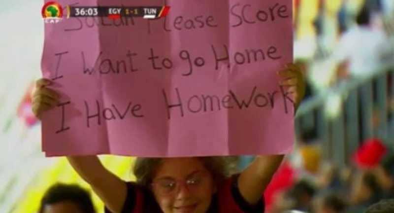 رد مثير من محمد صلاح على الطفلة المصرية صاحبة اللافتة