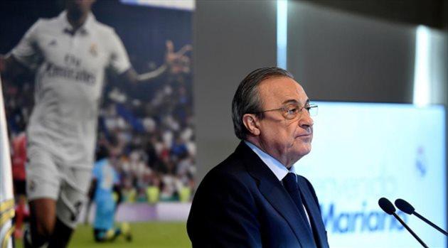اتهام إيطالي لرئيس ريال مدريد باستبعاد رونالدو من الكرة الذهبية