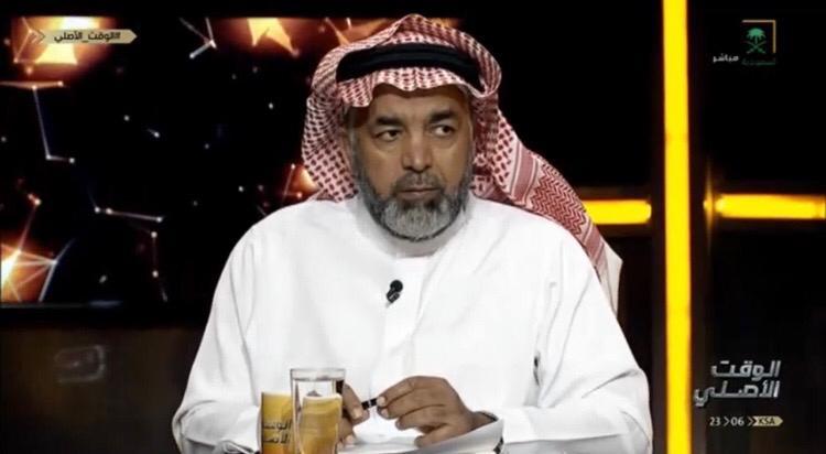 """بالفيديو.. خبير تحكيمي يفجر مفاجأة في مباراة الديربي بين"""" الهلال والنصر""""!"""