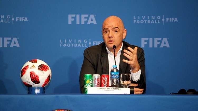 رئيس الفيفا يحسم الجدل حول تحضيرات قطر لمونديال 2022