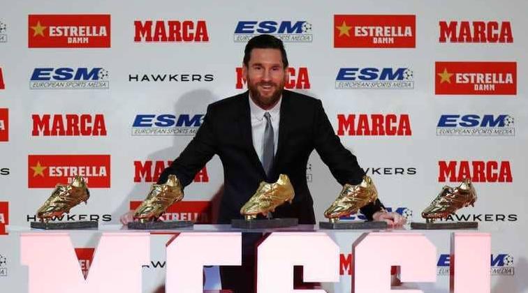 بالفيديو.. ميسي يتسلم الحذاء الذهبي الخامس في تاريخه