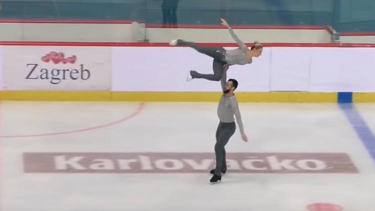 بالفيديو.. سقوط مروع على الرأس لمتسابقة تزحلق على الجليد