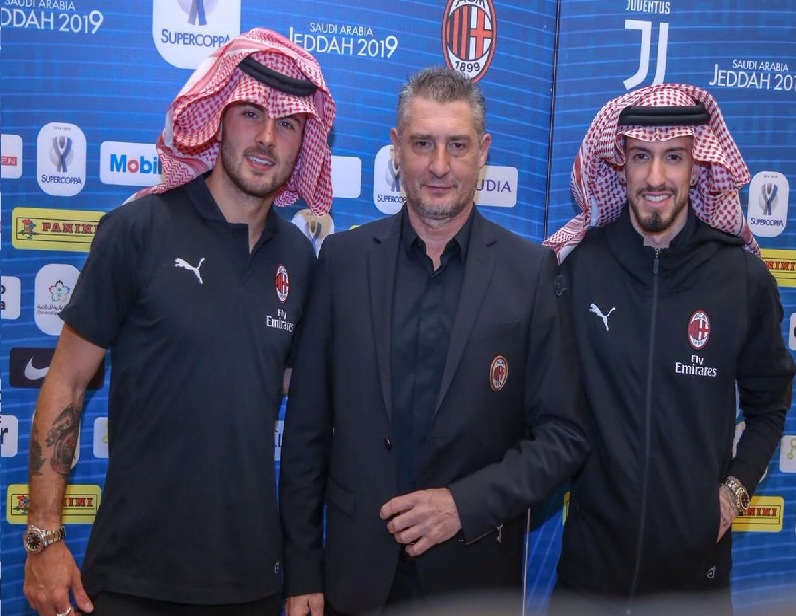 بالصور: لاعبي ميلان بالزي السعودي