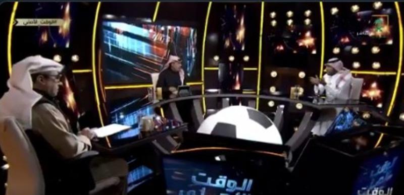 """بالفيديو.. تعليق مثير من """"عطيف"""" على حضور ناصر الشمراني لمباراة الهلال والاتحاد السكندري!"""