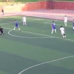 فيديو طريف.. حكم يسدد بنفسه كرة في المرمى ويعلن عن هدف !