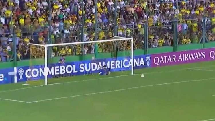شاهد.. هدف برازيلي عابر للقارات