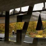 تعليق مثير من الفيفا عقب اطلاق سراح اللاعب البحريني