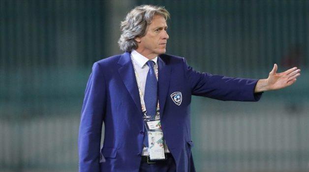صحيفة برتغالية توضح سبب بقاء جيسوس في الرياض بعد فسخ عقده مع الهلال