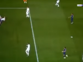 شاهد..لاعب يهدر واحدة من أغرب الفرص في مباراة بالدوري الفرنسي-فيديو