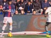 بالفيديو..لقطة مهارية رائعة من نيمار في فوز باريس سان جيرمان على آنجيه في الدوري الفرنسي