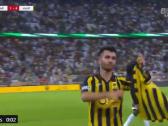 بالفيديو.. فيلانويفا يرفع قميص فهد المولد بعد تسجيله الهدف الرابع