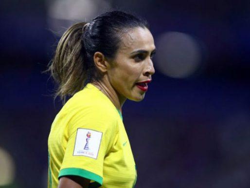 لماذا قررت الأسطورة مارتا وضع أحمر الشفاه في مباراة البرازيل ضد فرنسا بكأس العالم للسيدات؟ (فيديو وصور)