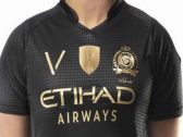 على غرار الهلال: النصر يطبع شعار الاستثنائي على قمصان الفريق الأول