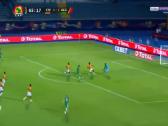 بالفيديو.. حارس كوت ديفوار يتألق بالتصدي لفرصة هدف محقق للجزائر