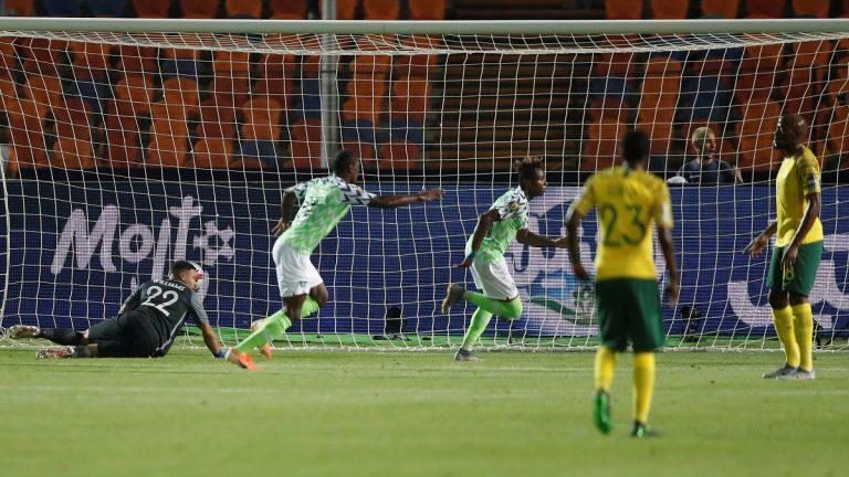 بالفيديو..نيجيريا تلدغ جنوب أفريقيا وتتأهل لنصف نهائي كأس الأمم الأفريقية