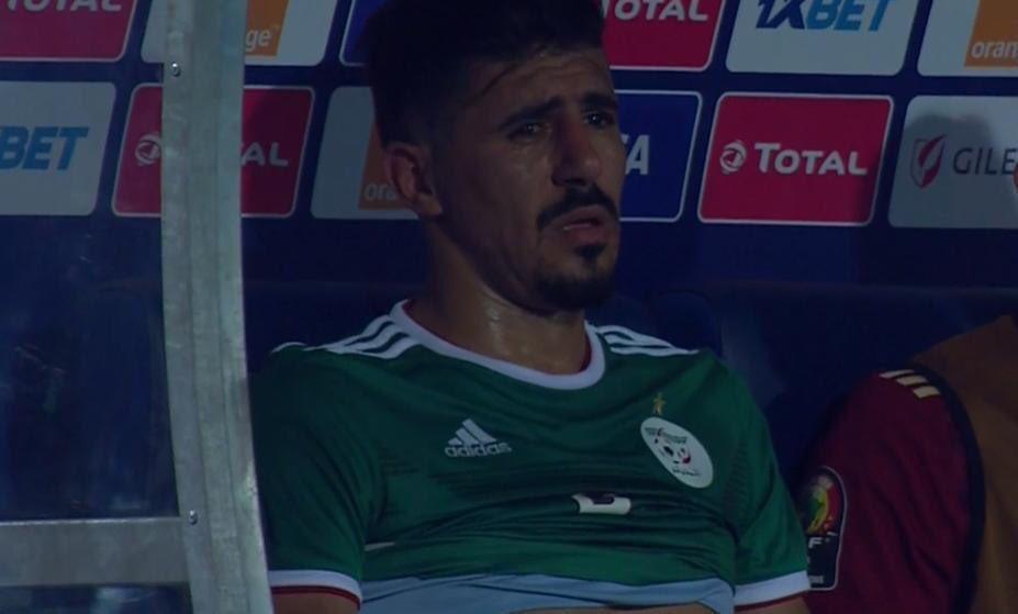 شاهد.. لحظة بكاء بغداد بونجاح بعد إهدار ركلة جزاء لـ منتخب الجزائر أمام كوت ديفوار