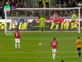 """بالفيديو .. """"بوغبا"""" يهدر ركلة جزاء أمام وولفرهامبتون في الدوري الإنجليزي"""