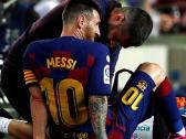 شاهد..إصابة ميسي في مباراة برشلونة ضد فياريال بالدوري الإسباني