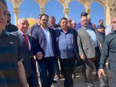 شاهد : وفد من المنتخب السعودي يزور المسجد الأقصى