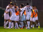 خالد البلطان يكافئ لاعبي الشباب عقب الفوز على الوحدة