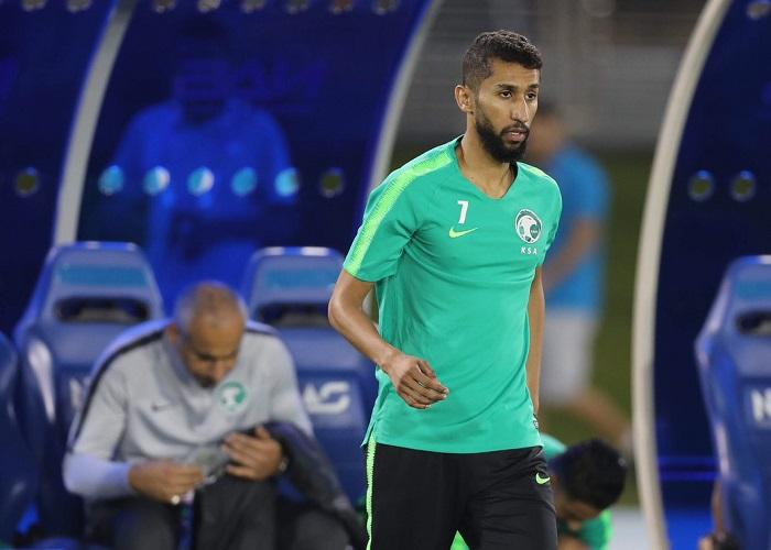 """موقف """"سلمان الفرج"""" من المشاركة مع الأخضر في مباراة سنغافورة"""