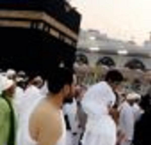 فيديو صادم .. سعودي يدعو لتحقيق نادي أوراوا لبطولة آسيا من الحرم.. وهكذا علق المغردين !