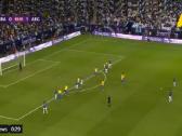 بالفيديو.. حارس البرازيل يتألق بالتصدي لتسديدة قوية من ميسي