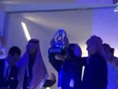 """بالفيديو..  آل الشيخ و"""" الوليد بن طلال"""" يرفعان كأس أبطال آسيا في حفل الترفيه للهلال!"""