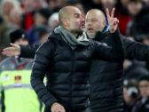 بالفيديو.. ردة فعل غريبة من غوارديولا تجاه الحكم الرابع في مباراة ليفربول ضد مانشستر سيتي