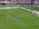 بالفيديو.. المنتخب البحريني يسجل الهدف الثاني في شباك الكويت