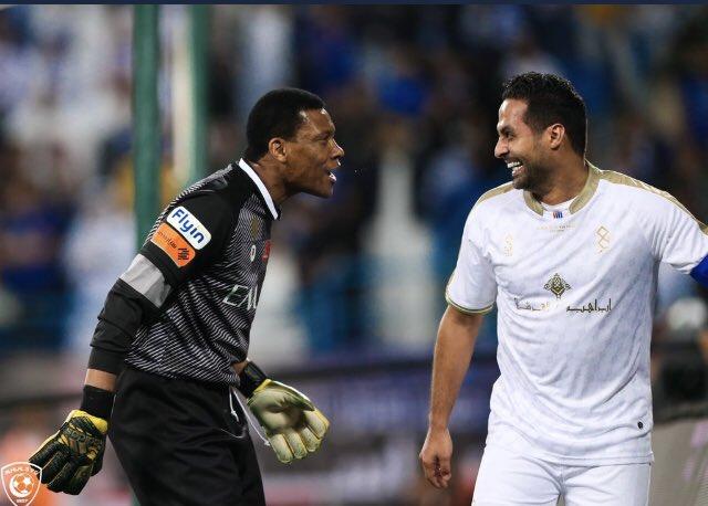 """""""الدعيع"""" لـ""""القحطاني"""" عن الهدف الذي سجله في مرماه: """"هدية اعتزالك """""""
