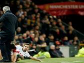 بالفيديو..إصابة مورينيو بعد تدخل عنيف من لاعب توتنهام