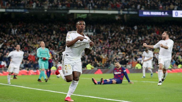 """شاهد..ريال مدريد يتخطى برشلونة """"بشبابه"""" ويستعيد صدارة ترتيب الدوري الإسباني"""