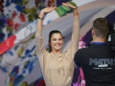شاهد..لاعبة جمباز روسية تظهر شيئا غريبا في بنيتها الجسدية