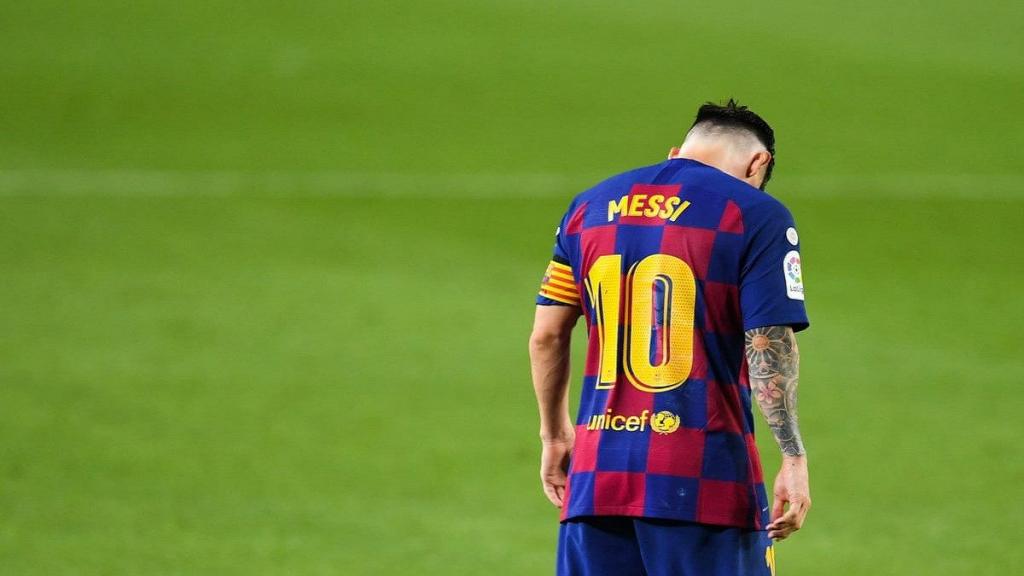 """""""ميسي"""" يوقف مفاوضات تجديد عقده ويهدد بالرحيل عن برشلونة"""